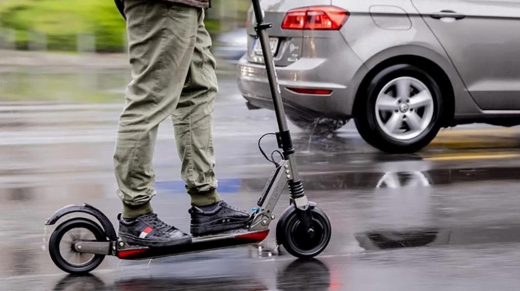 Elektrikli Scooter (e-skuter) Kullanım Şartları ve Yaşı Sınırı